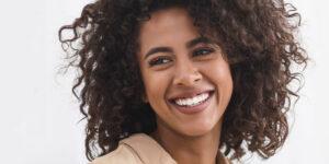 Como transformar meu sorriso sem ficar artificial?